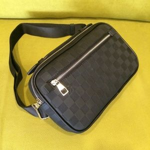 LOUIS VUITTON UNISEX BAG BLACK LEATHER